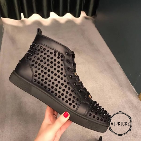 Christian Louboutin High Top Sneaker – CNLB1100-1